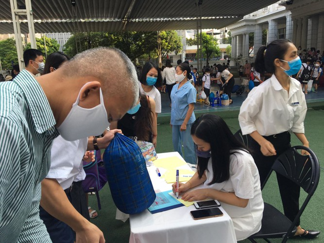 students in hanoi head back to school on september 1 hinh 6