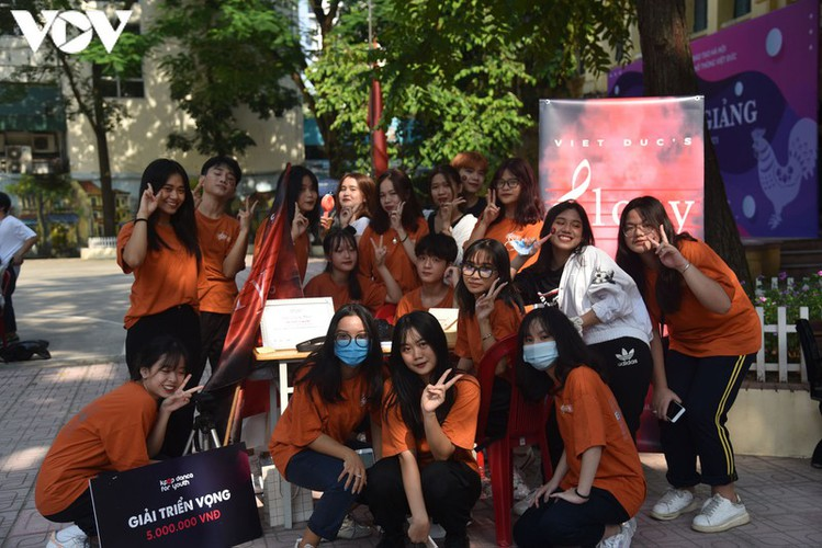 students in hanoi head back to school on september 1 hinh 12