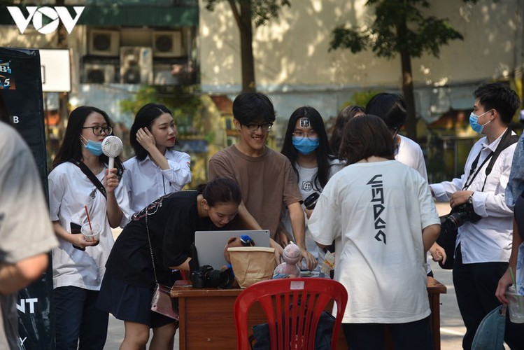 students in hanoi head back to school on september 1 hinh 14