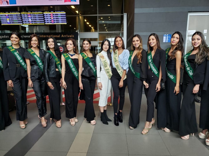 phuong khanh set for judging role in miss earth colombia 2019 hinh 1