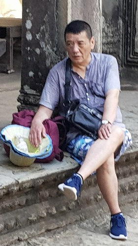 in photos: pickpocket gang targets foreign travelers in vietnam hinh 4