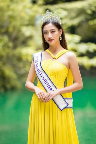 luong thuy linh unveils miss world 2019 introduction video hinh 6