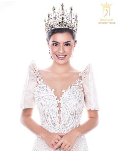 miss asia pacific international to parade with local delegation at sea games 30 hinh 18