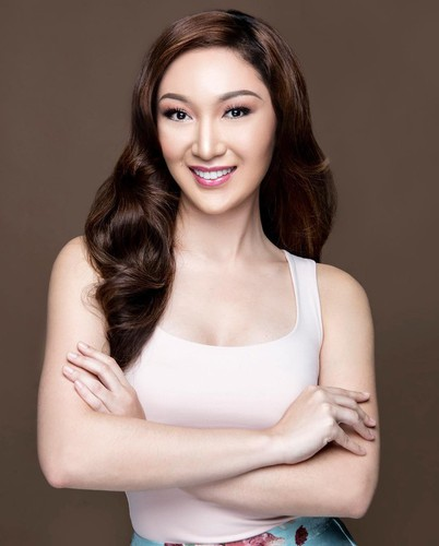 miss asia pacific international to parade with local delegation at sea games 30 hinh 23
