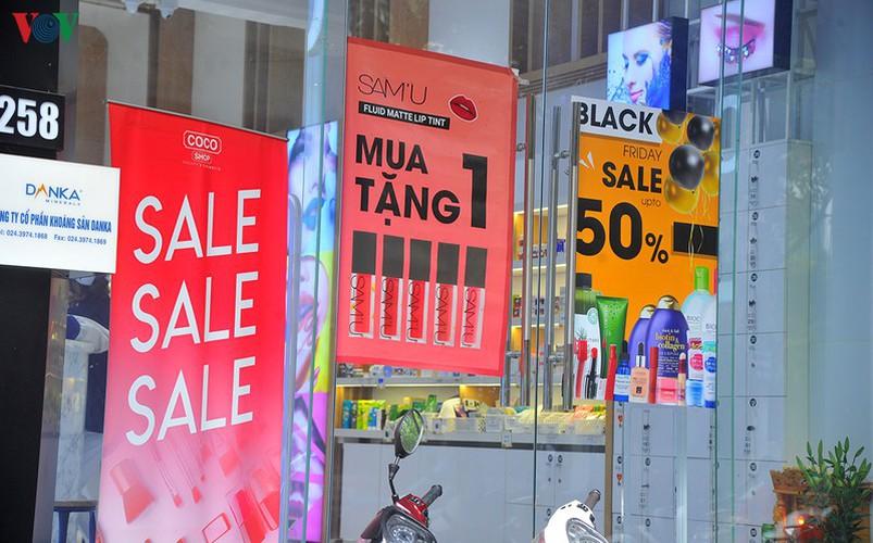 retailers despair as bargins fail to boost business ahead of black friday hinh 10