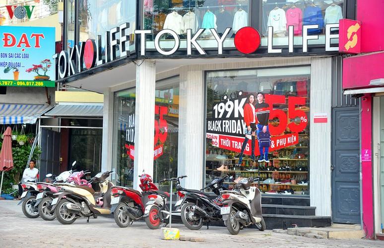 retailers despair as bargins fail to boost business ahead of black friday hinh 11