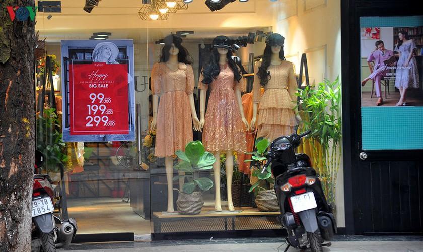 retailers despair as bargins fail to boost business ahead of black friday hinh 14