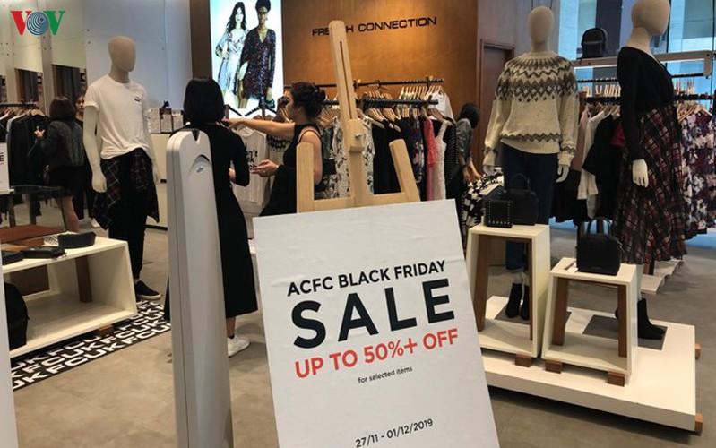 retailers despair as bargins fail to boost business ahead of black friday hinh 3