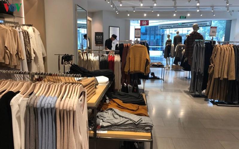 retailers despair as bargins fail to boost business ahead of black friday hinh 5
