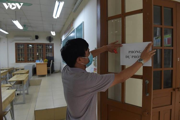 hanoi disinfects exam sites to mitigate covid-19 risk hinh 10