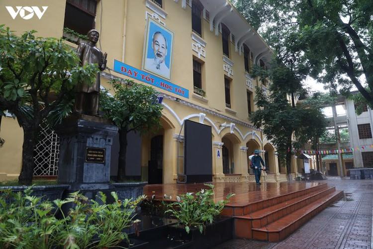 hanoi disinfects exam sites to mitigate covid-19 risk hinh 1