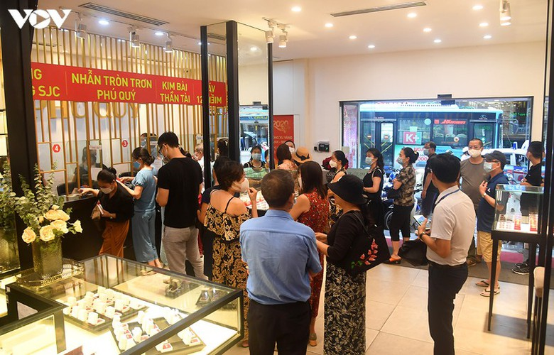 record high gold prices see citizens keen to cash in hinh 3