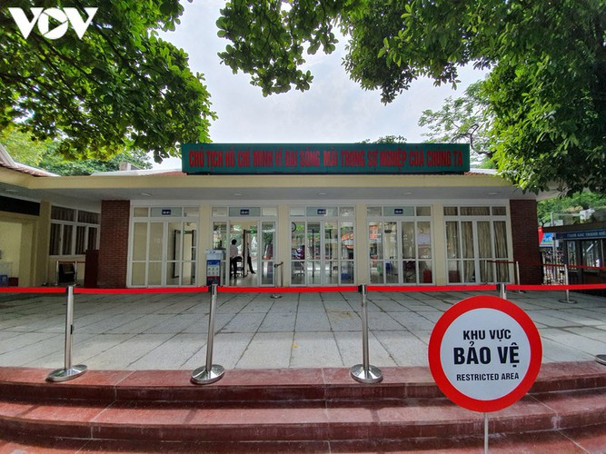 historical relic sites in hanoi left deserted amid covid-19 fears hinh 11