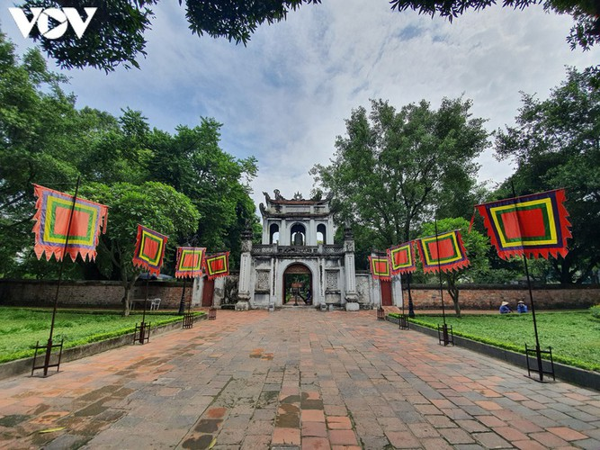 historical relic sites in hanoi left deserted amid covid-19 fears hinh 1