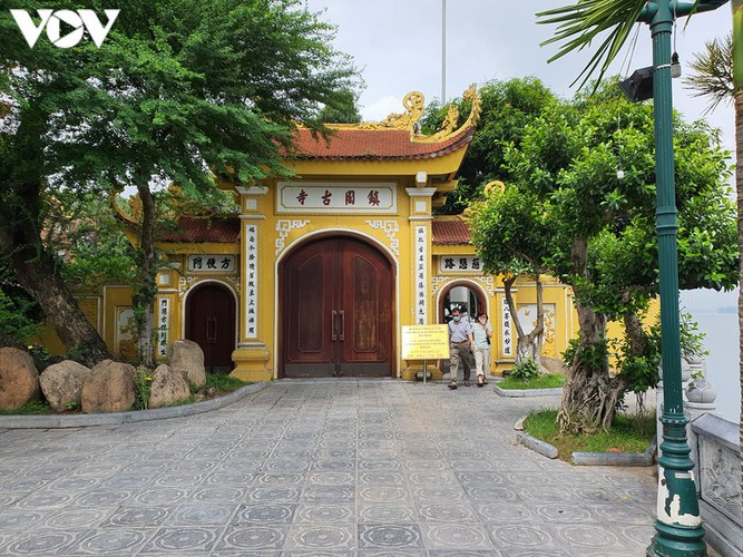 historical relic sites in hanoi left deserted amid covid-19 fears hinh 4