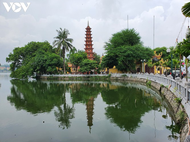 historical relic sites in hanoi left deserted amid covid-19 fears hinh 6