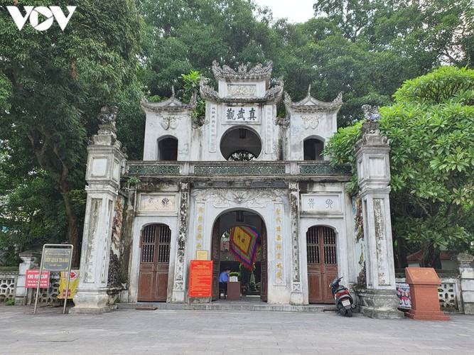 historical relic sites in hanoi left deserted amid covid-19 fears hinh 7