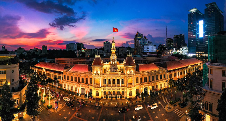 modern hanoi and ho chi minh city in impressive images hinh 11