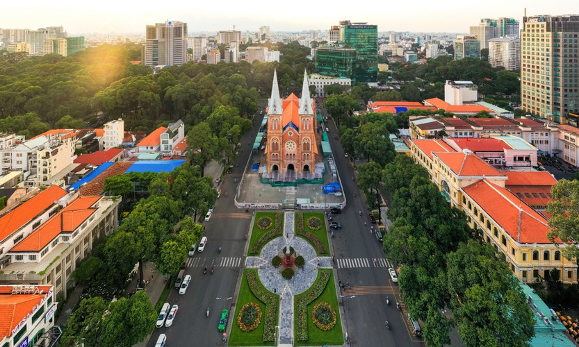 modern hanoi and ho chi minh city in impressive images hinh 12