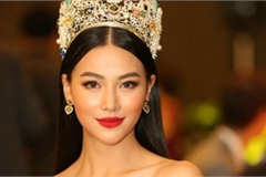Miss Earth Phuong Khanh serves on judging panel for Miss Earth Singapore 2019