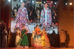 Korean and Vietnamese traditional outfits featured at Hanoi Passion Show