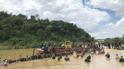 Broken dyke threatens thousands of lives in Dak Lak province