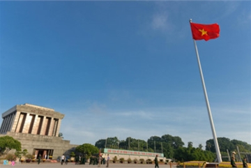 Ba Dinh Square hosts flag raising ceremony to commemorate National Day