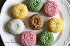 Mid Autumn cakes of Asian countries