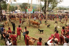 Arieu Ping, the reburial festival of the Pa Ko