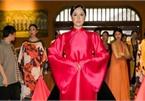 Phuong Thuy dazzles in Ao Dai fashion show