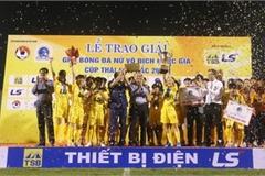 HCM City 1 FC lifts Vietnam Women's Football Championship trophy