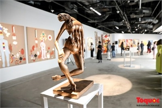 Fine artworks from Asian artists go on show in Hanoi