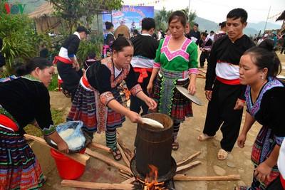 H'Mong round sticky rice cakes in northwest Vietnam