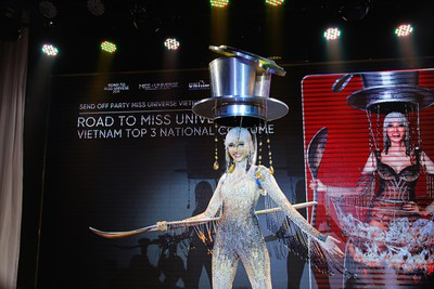Hoang Thuy announces national costume choice for Miss Universe 2019