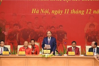 PM hosts welcome party praising Vietnamese football's success at SEA Games