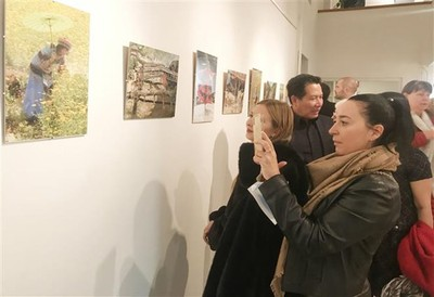Photo exhibition on Vietnam opens in Hungary