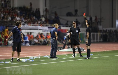 Head coach Park punished for Sea Games red card