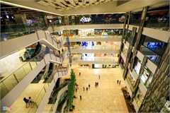 Commercial centres remain quiet in Hanoi, HCM City after re-opening