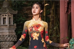 Ao Dai fashion designer promotes Vietnamese heritage to the world