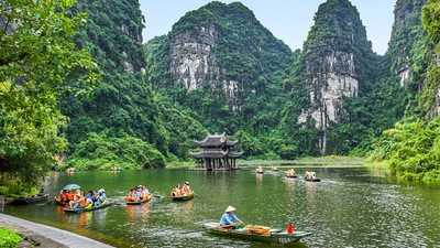 Vietnamese locations named among best backpacker spots by Hostelworld