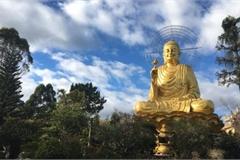 Van Hanh Zen monastery preserves quartz crystal pictures, antiquities