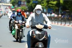 Hanoi endures second heat wave, temperatures drop in HCM City