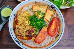 CNN names Bun Rieu and Cao Lau among best Asian noodles