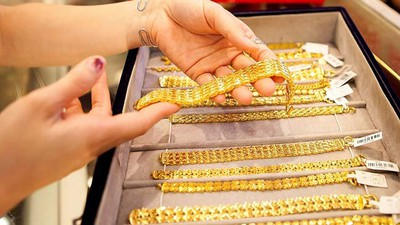 Gold prices hit nine-year high after reaching VND50.4 million per tael