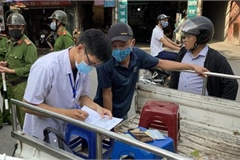 Hanoi fines locals failing to wear face masks in public areas