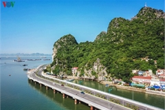Discovering scenic coastal road in Ha Long