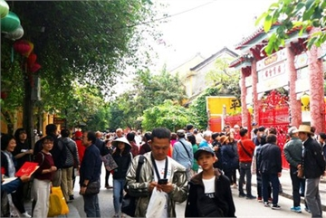 Tourists flock to Hoi An in celebration of 20th World Heritage anniversary