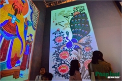 Hang Trong folk paintings go on display using 3D technology in Hanoi