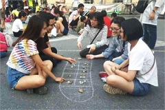 Promoting traditional games urgently needed in modern society