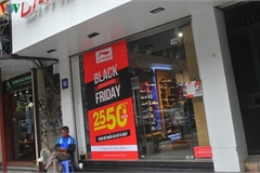 VN retailers despair as bargins fail to boost business ahead of Black Friday